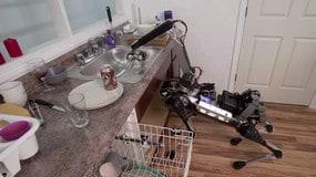 Ecco il robot giraffa: carica anche la lavastoviglie