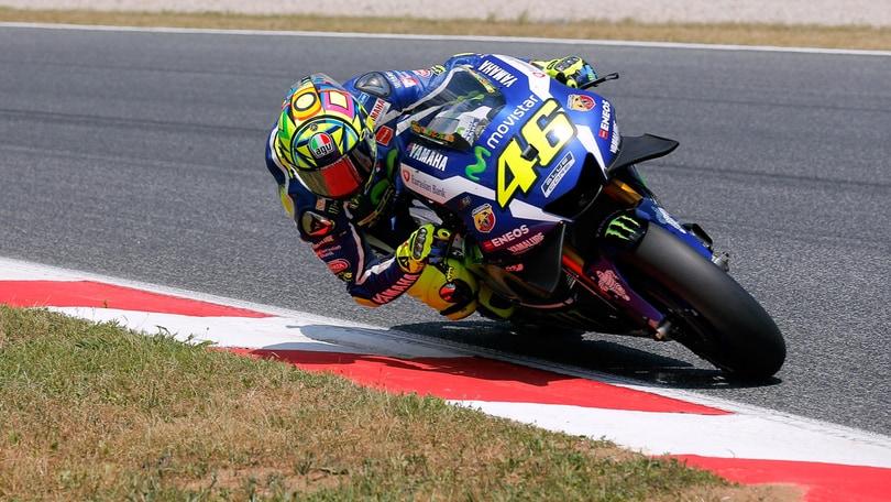 Gp Catalogna: errore Lorenzo, cade e travolge Valentino Rossi e Dovizioso