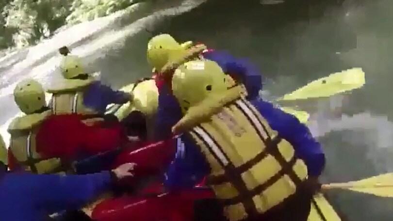Rafting, l'incredibile prospettiva dal gommone sul fiume Nera