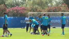 Italia, in allenamento tutti contro Zaza