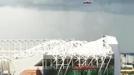 Manchester United, Ibrahimovic arriva in elicottero all'Old Trafford per le visite mediche