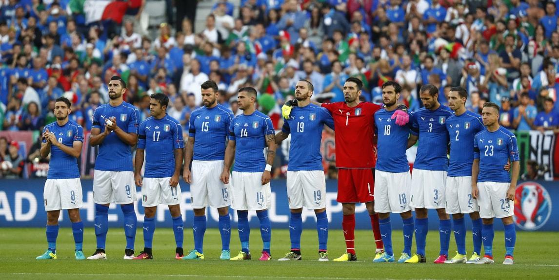 Germania-Italia, azzurri in campo con il lutto al braccio