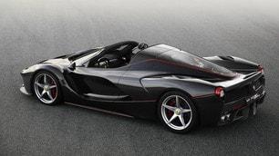 "Ferrari LaFerrari ""spider"": foto"