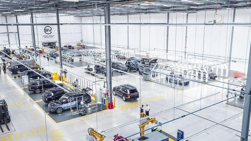 Jaguar Land Rover inaugura il Centro Tecnico SVO