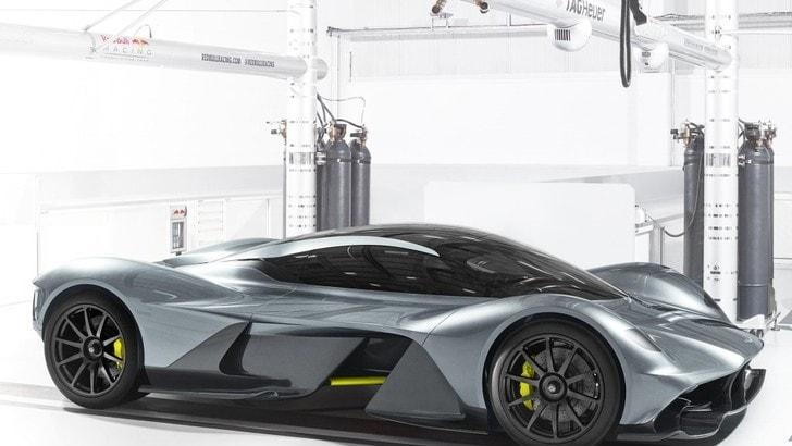 """Aston Martin AM-RB 001, la prima stradale firmata dal """"mago"""" Newey"""