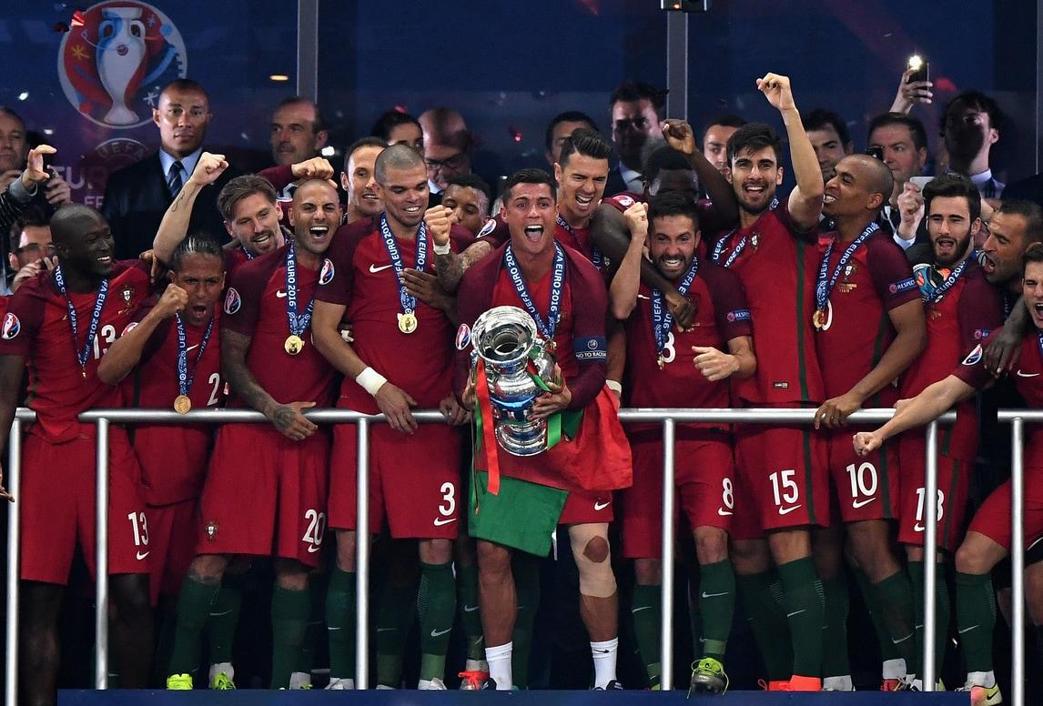 Portogallo, l'Europeo è tuo: che festa a Parigi!