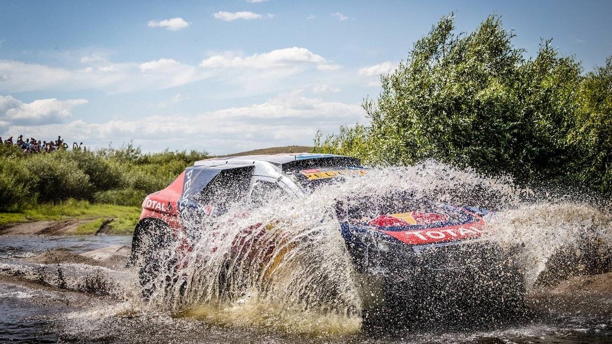 Peugeot 2008 DKR Silk Way Rally: foto