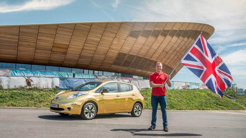 Nissan, una Leaf dorata per vincitori (britannici) dei Giochi di Rio