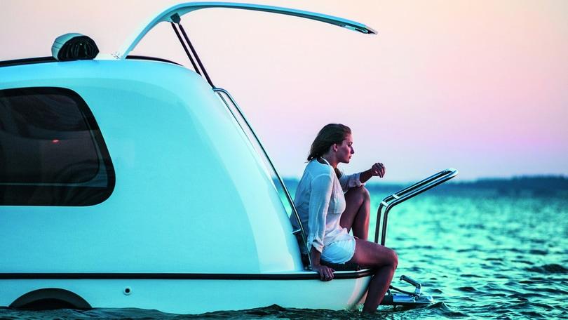 Vacanze al mare: la roulotte diventa un piccolo yacht