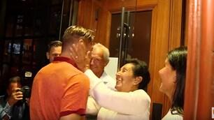La mamma di Pallotta accoglie Totti e la squadra a Boston