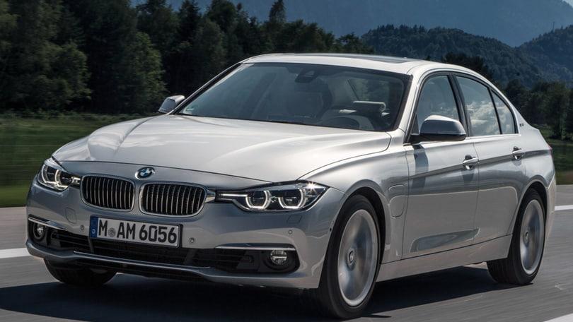 BMW 330e, la prova doppia – ibrida plug-in ma anche sportiva