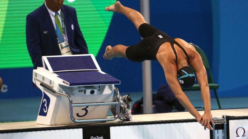 Portabandiera Pellegrini a Rio con la nazionale nuoto