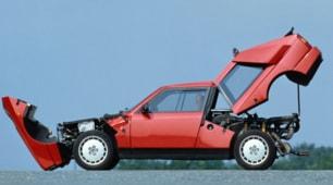 Lancia Delta S4 Stradale 1985: foto