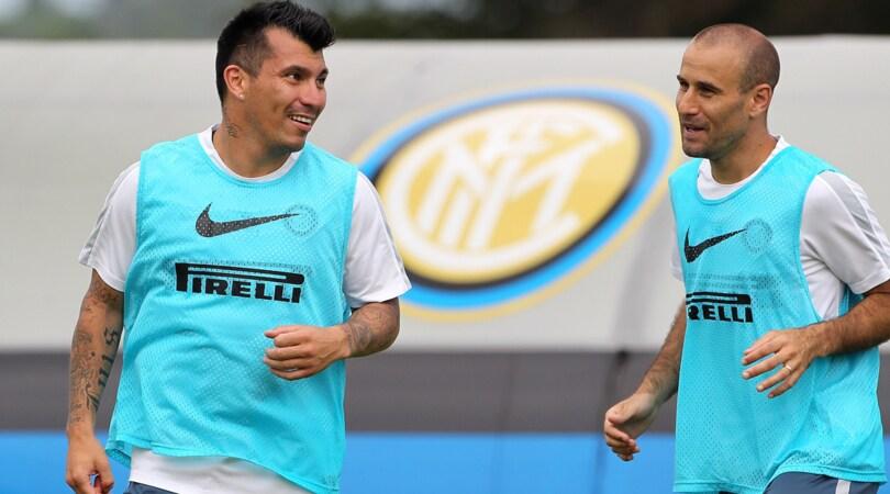 Calciomercato, Inter-Medel: avanti. E' vicino il rinnovo