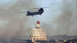 Roma, emergenza incendi: brucia il parco del Pineto
