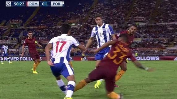 Champions League, altro rosso per la Roma: espulso Emerson