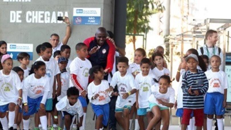 Nike a fianco dei bimbi brasiliani