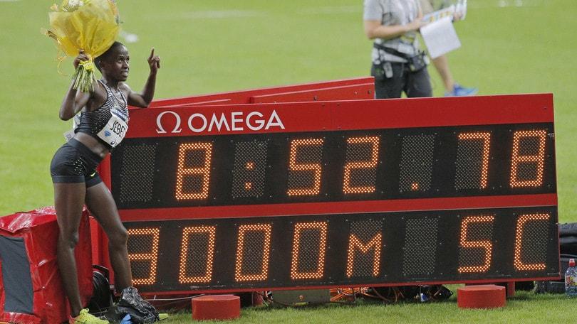 Atletica,Jebet firma il nuovo record mondiale nei 3000 siepi