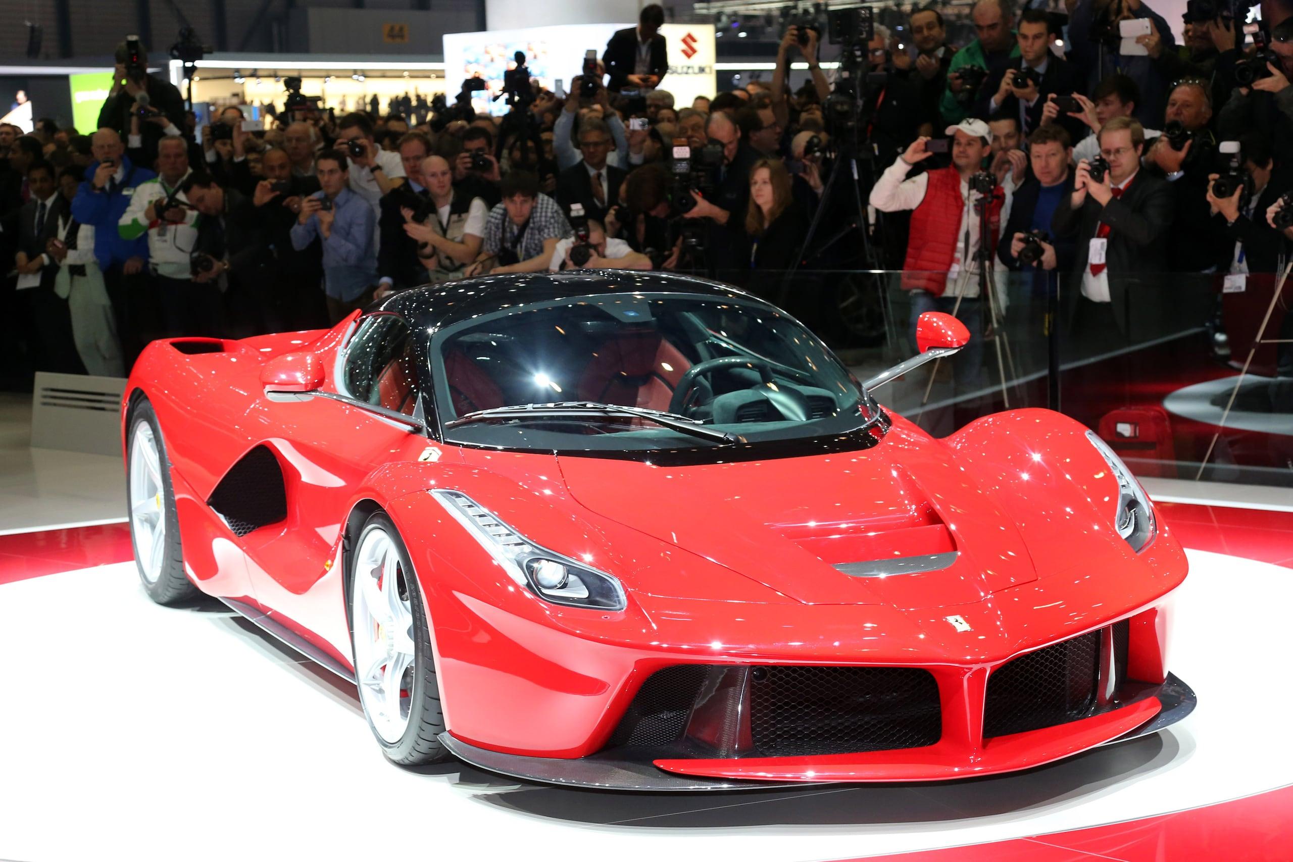 Ferrari mette all'asta supercar da 1 milione per vittime terremoto