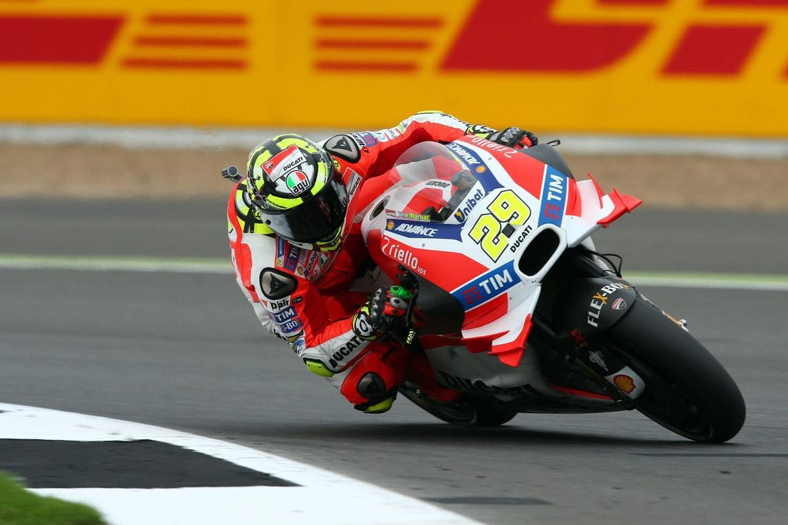 MotoGp Silverstone: a Iannone le seconde libere, Rossi 6°