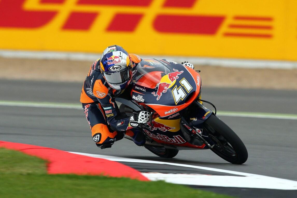 Moto3 Silverstone: Binder vince davanti a Bagnaia