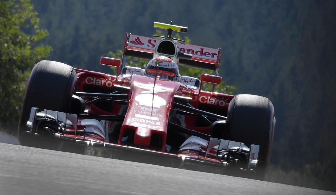 F1 Ferrari, Giovinazzi prova il simulatore