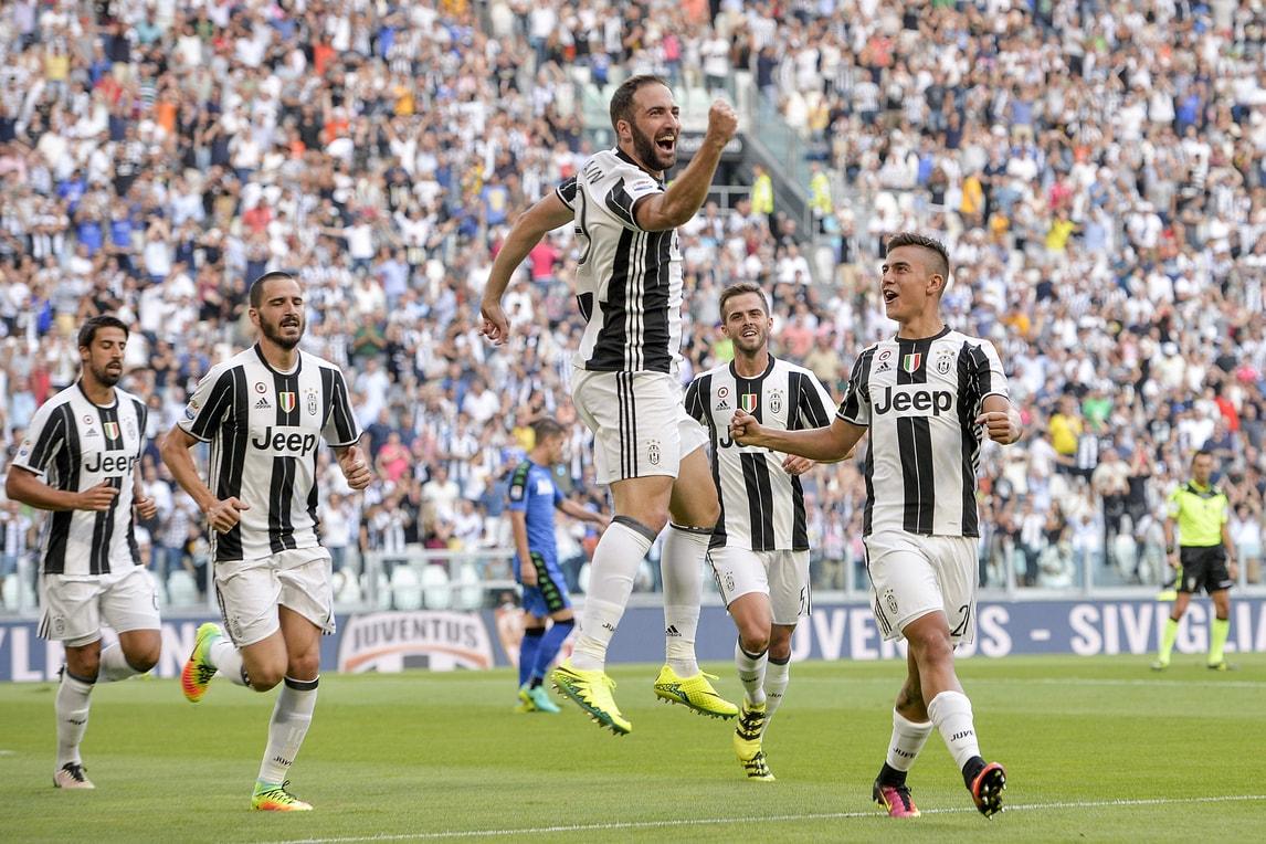 Serie A, Juventus-Sassuolo 3-1: Higuain e Pjanic regalano spettacolo