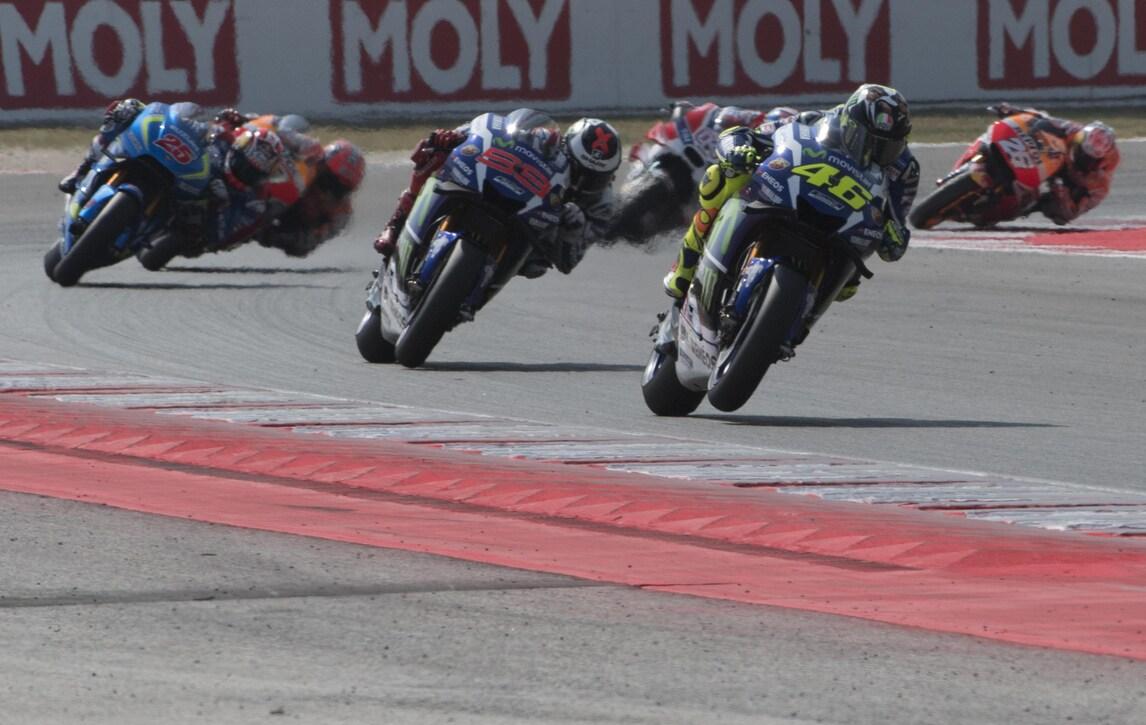 MotoGp, Grand Prix Commission conferma: ali vietate nel 2017