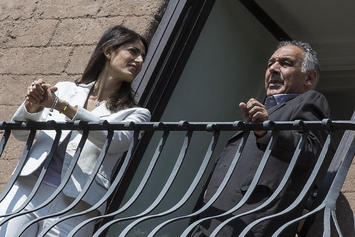 Il sindaco Raggi a Pallotta: «Non sono tifosa, ma la mia famiglia è della Lazio»