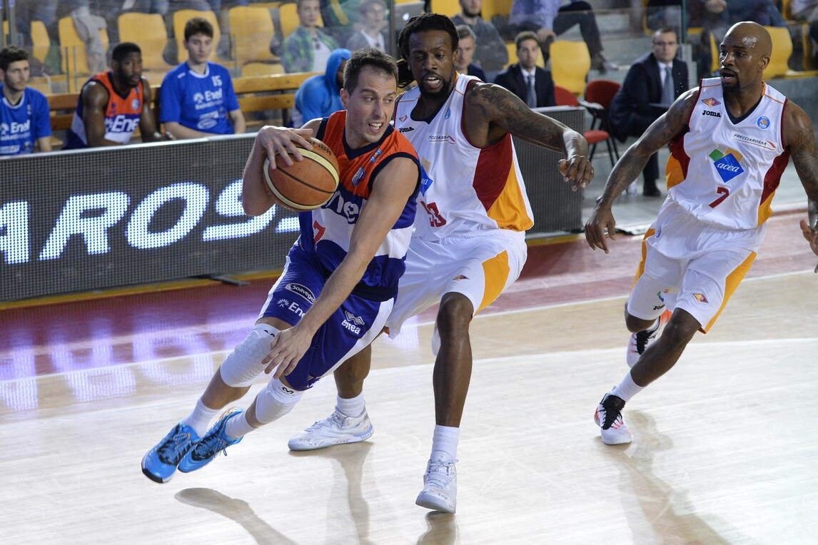 Basket Serie A, Bulleri riparte da Varese