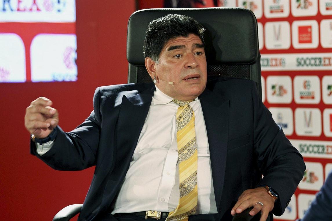 Napoli, Maradona: «Higuain? Ai miei tempi non sarebbe capitato»