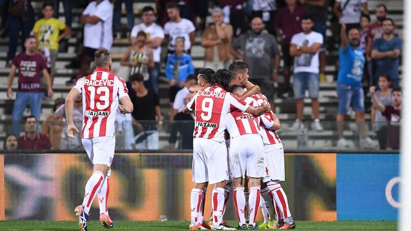 Serie B Salernitana-Vicenza 2-3. Carpi-Frosinone 0-0