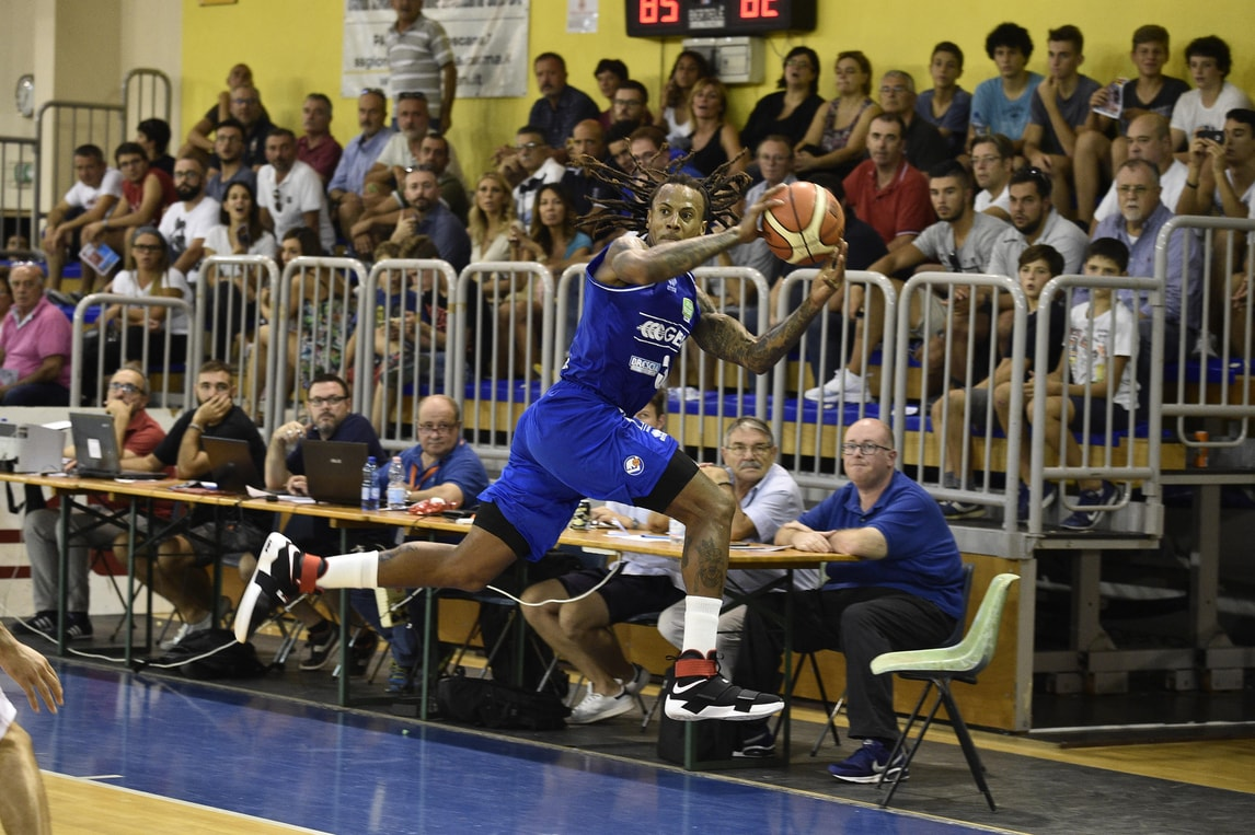 Basket Serie A, Moss esalta Brescia
