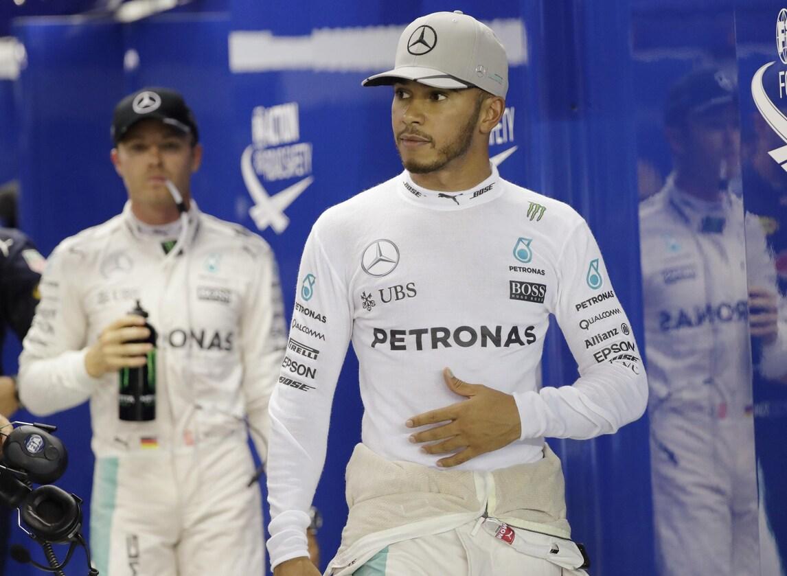 F1 Singapore, Hamilton: «Finora non è stato il mio weekend»