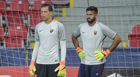 Serie A, Szczesny: «A Roma gioco io». Alisson: «L'alternanza non è un bene»