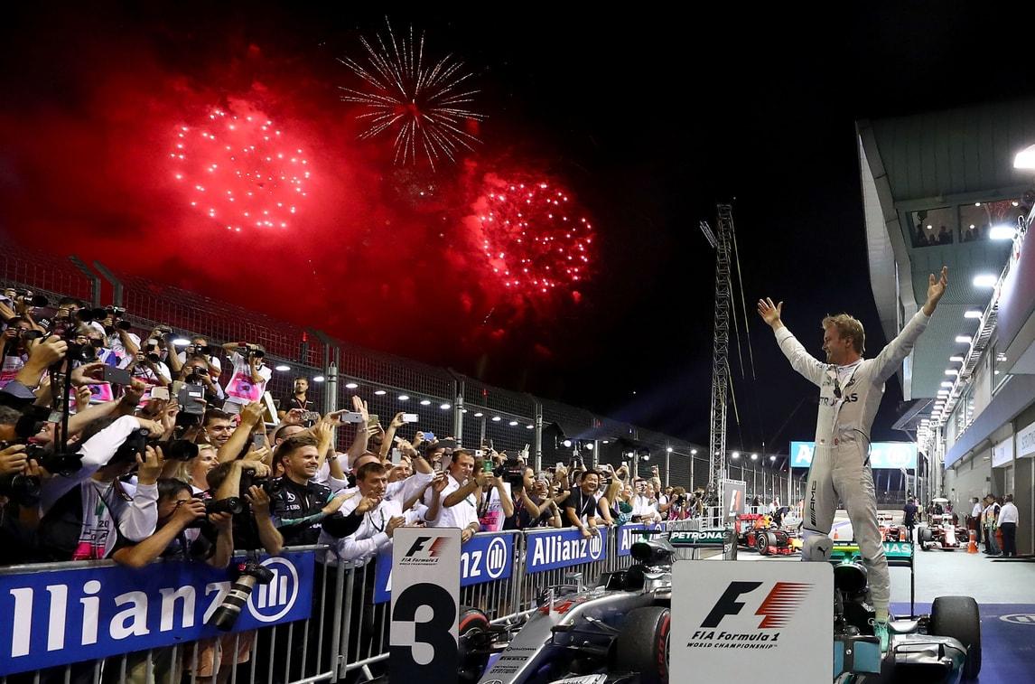 F1 Singapore, Rosberg: «È stata dura, ma è andata bene»