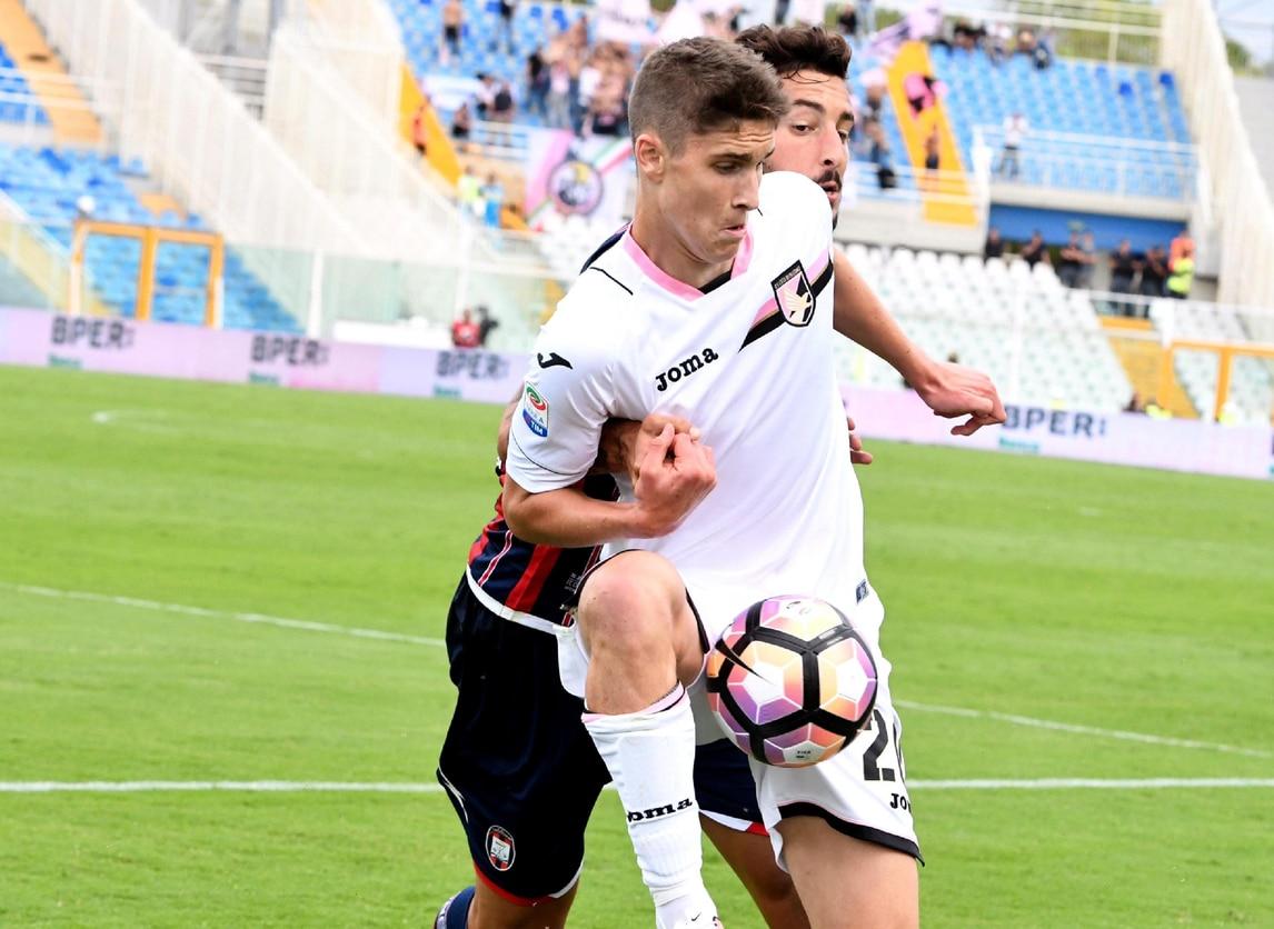 Crotone-Palermo 1-1, pari sul neutro di Pescara