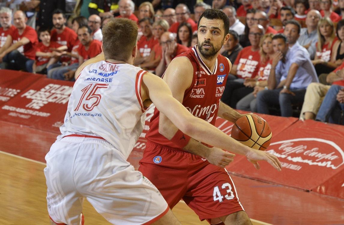 Basket, l'EA7 batte Cremona con super Simon