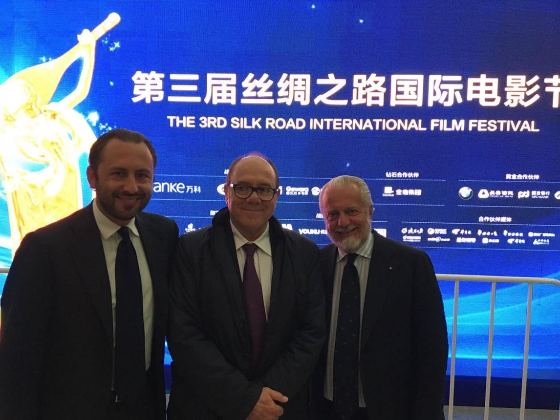 Napoli, De Laurentiis saluta i tifosi dalla Cina