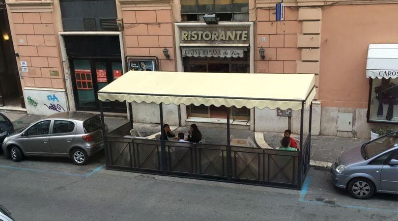 Raggi, niente incontro con Malagò: era a pranzo a Via dei Mille FOTO ESCLUSIVE