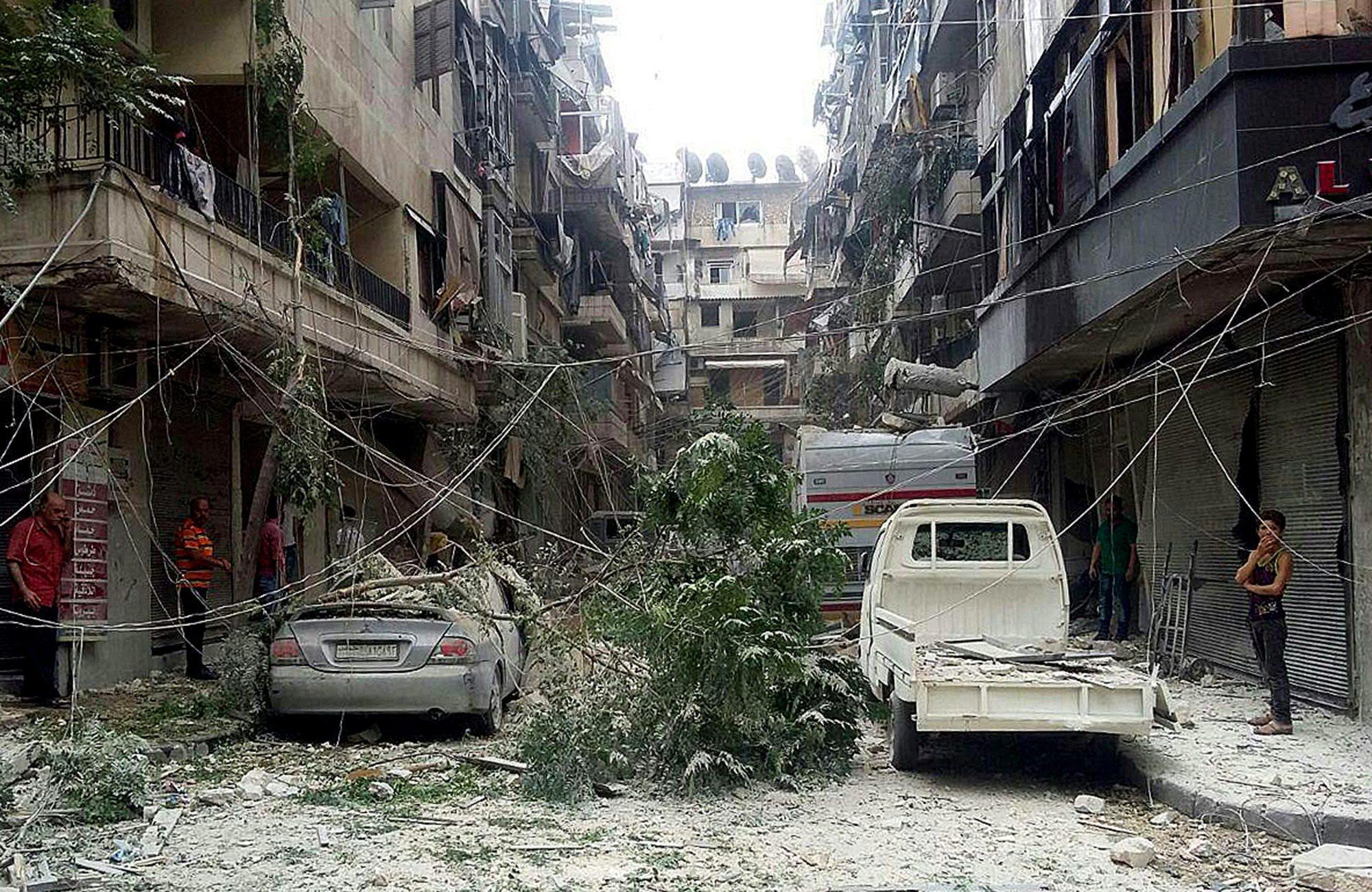 80 morti in raid Aleppo, molti bambini