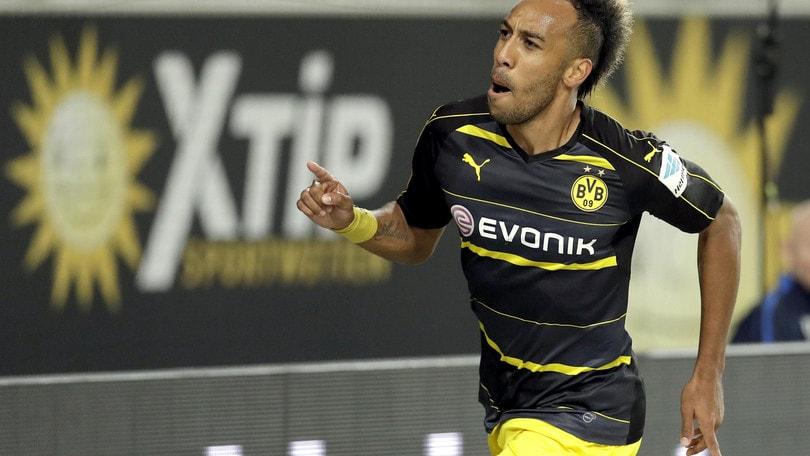 Bundesliga, il Dortmund batte il Friburgo e vola in vetta
