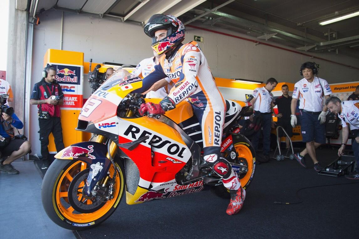 MotoGp, Aragon: Marquez avanti nel warm up, Rossi è settimo