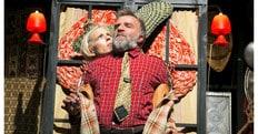 Gaia De Laurentis e Ugo Dighero sul palco del teatro Golden