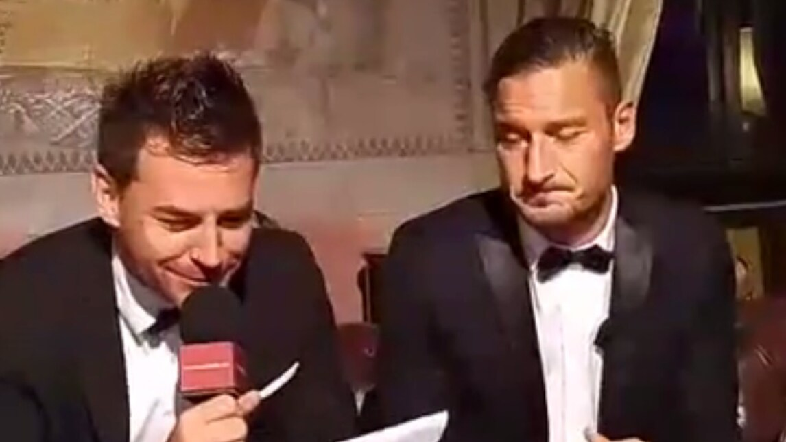 Roma, Totti in diretta su Facebook per i 40 anni