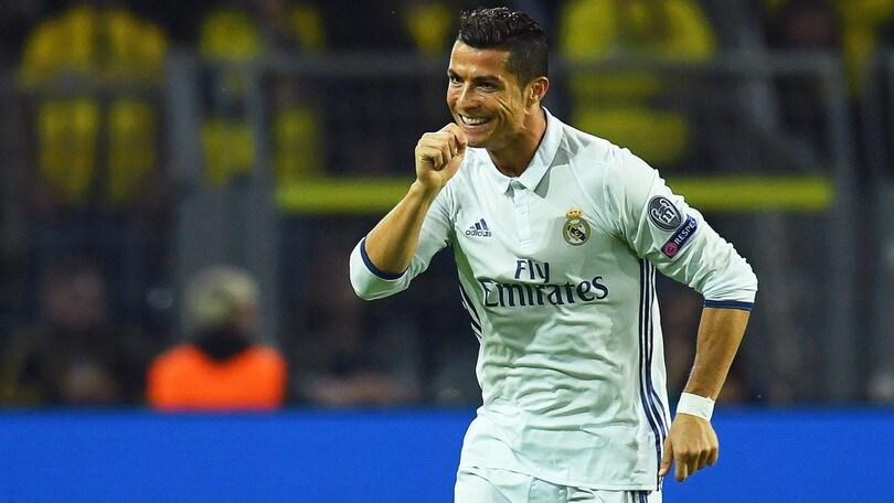 Calciomercato, in Spagna: «Real Madrid prepara rinnovo da 23 milioni per Cristiano Ronaldo»