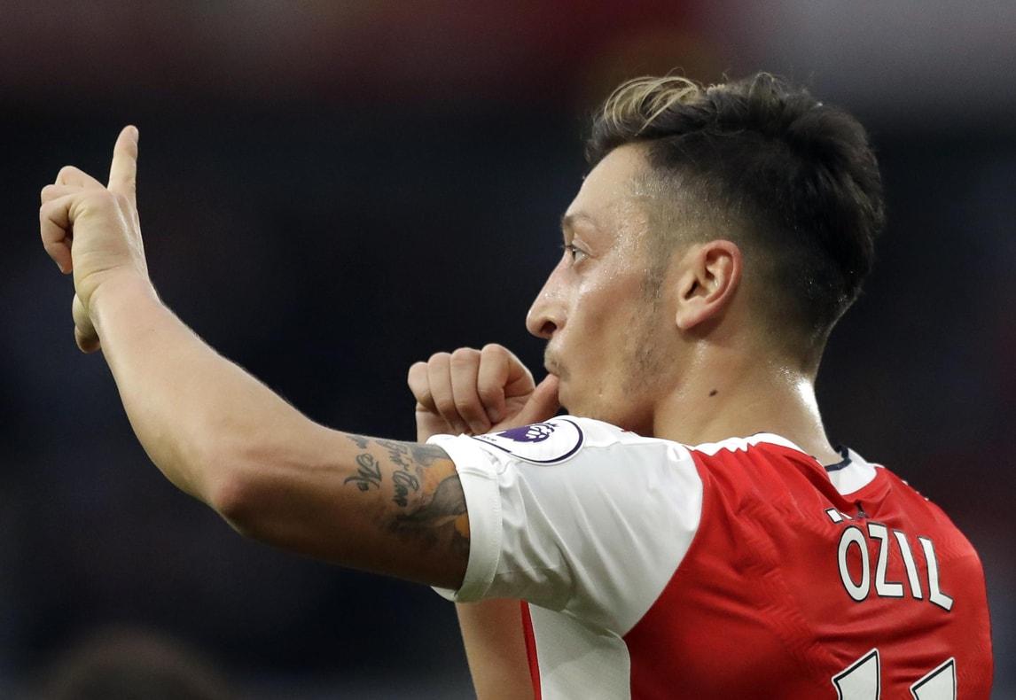Calciomercato: «Ozil è vicino al rinnovo con l'Arsenal»