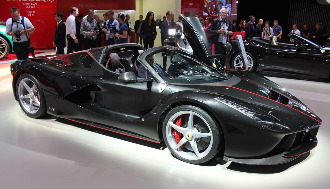 Ferrari al Salone di Parigi, tra passato e futuro