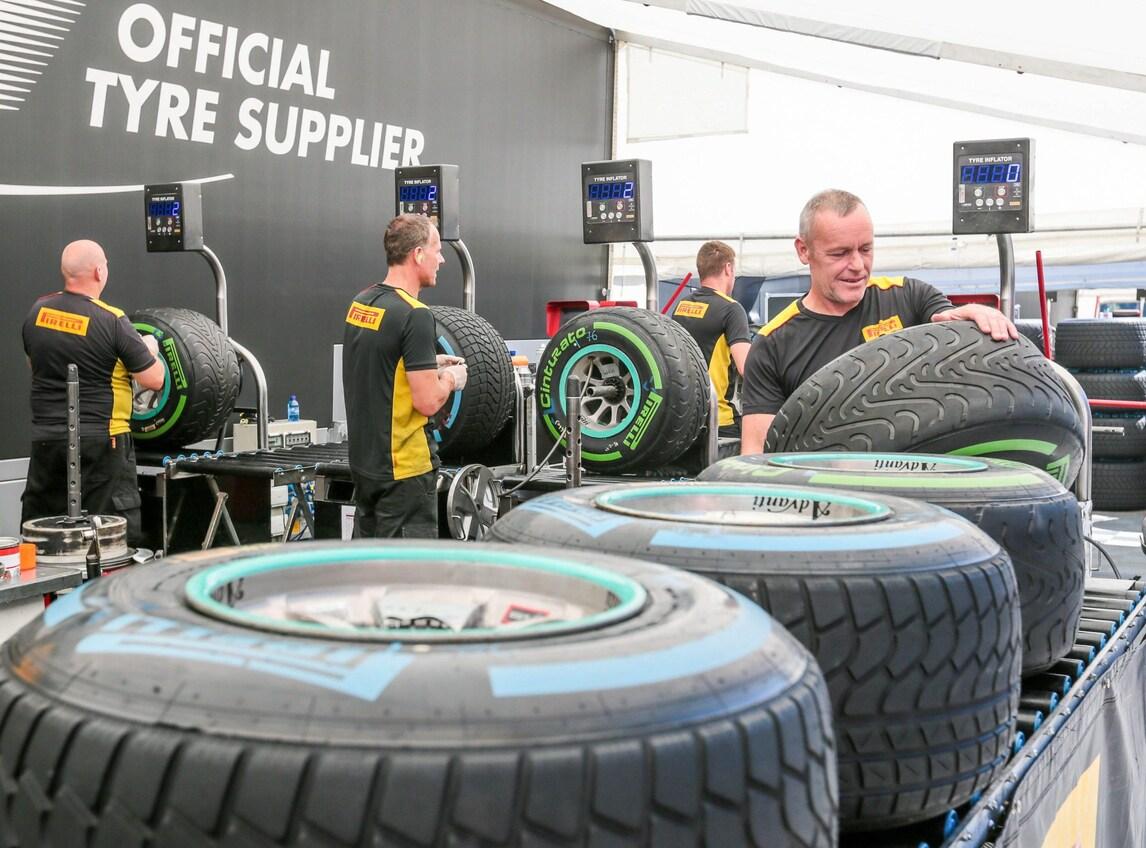 F1 Pirelli, Hembery: «Nuovo asfalto più veloce»