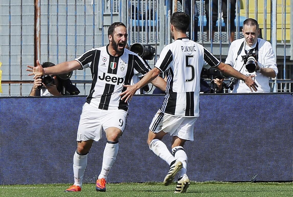 Serie A, Empoli-Juventus 0-3: festa Allegri con Dybala e Higuain